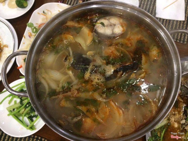 Ăn tối: Lẩu cá sa tế