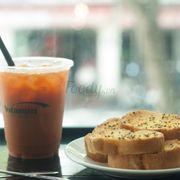 Combo Juice + Garlic Bread