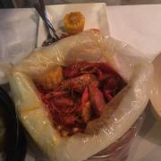 500gr crawfish + 500gr tôm + 1kg xx và khoai tây,bắp