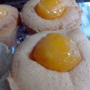 bông lan trứng muối truyền thống