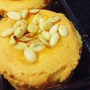 Bánh bông lan hạt dưa