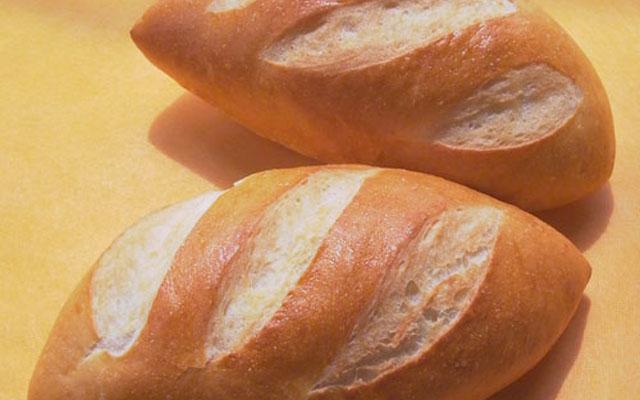 Bánh Mì Út Kiêm - Cách Mạng Tháng 8
