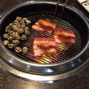 Sò huyết + thịt nướng