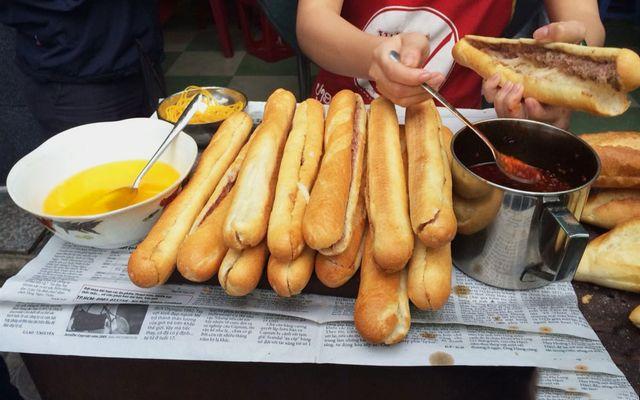 Bánh Mì Que Đà Nẵng - Hoàng Quốc Việt
