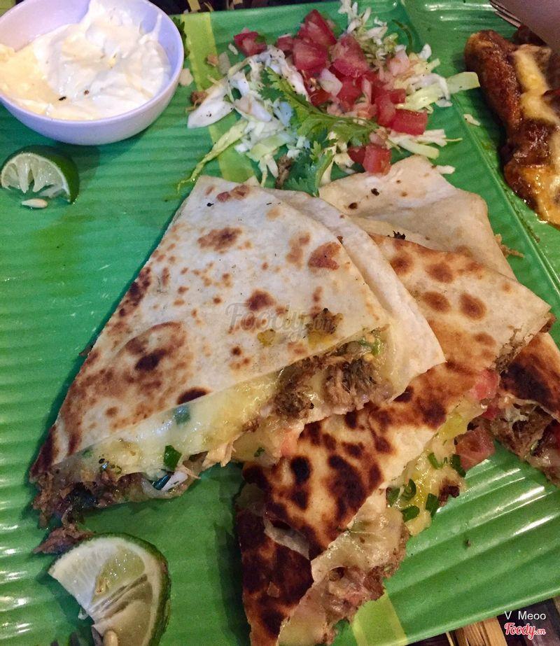 Enchidalas - Mình gọi đây là pizza của Mẽican, đáng yêu và ăn cũng ngon lắm.