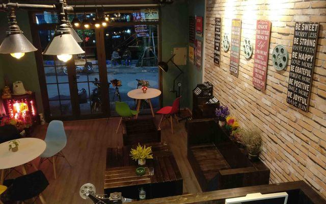 Cine Cafe - Cafe Phim Chùa Láng