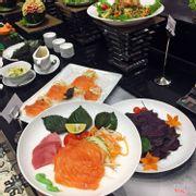 Sashimi (Cá hồi và cá ngừ)