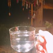 Ly nước xả thơm ngọt