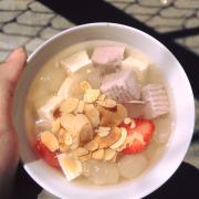 Chè khúc bạch - món tráng miệng luôn làm siêu lòng khách tại Huỳnh Lê quán