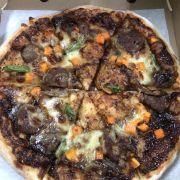 Pizza bò sốt tiêu đen