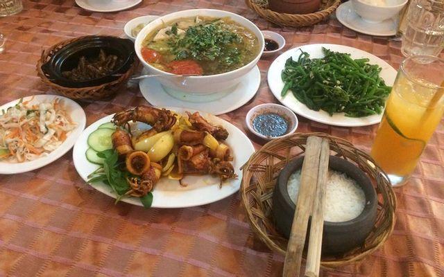 Cơm Niêu Hương Việt - Sương Nguyệt Ánh