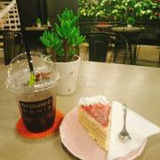 Mocktail hồng hoa + raspberry Cake