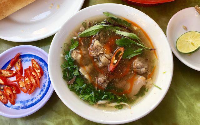 Quang Dũng - Bánh Mì Bò Sốt Vang