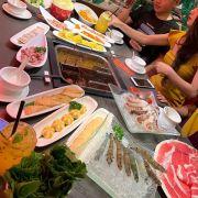 Đồ ăn tươi ngon phong phú đa dạng , nhân viên nhiệt tình ,sẽ ủng hộ dài dài