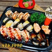 Tên: COMBO 190 Giá: 190K Gồm: 1 cuộn phủ tôm ebi (4p) 1 cuộn cá hồi nướng (4p) 3p NG cá trích 2p GK rong biển 1p GK trứng tôm 2p GK thanh cua trộn 2p NG lươn Nhật  #trạmsushi #menu #sushi