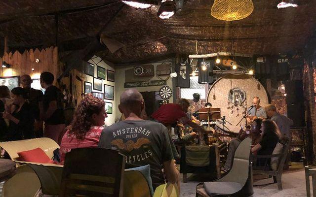 K'Noy Cafe & Bar