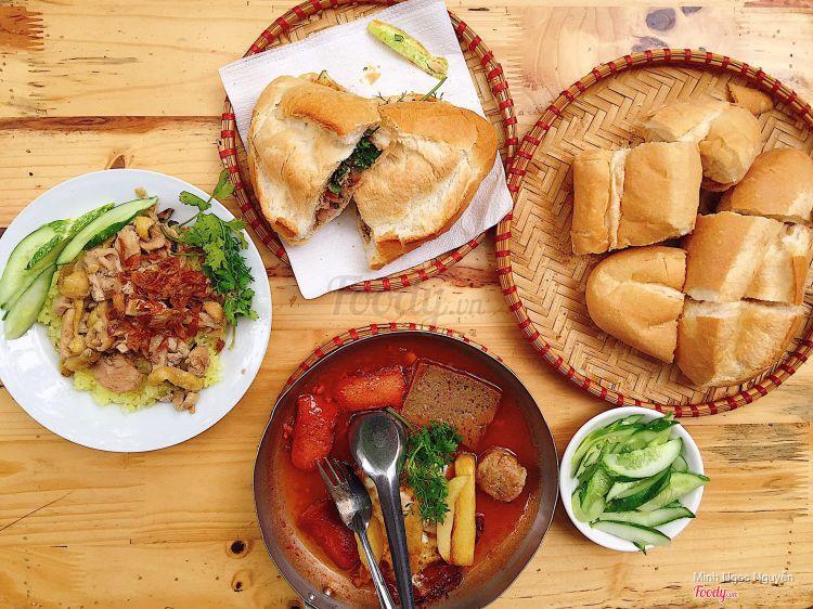Cô Thêm - Bánh Mì Chảo ở Hà Nội