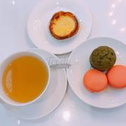 Trà + bánh ngọt