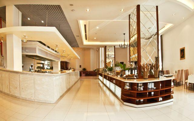 Buffet Trưa - Tân Sơn Nhất Hotel