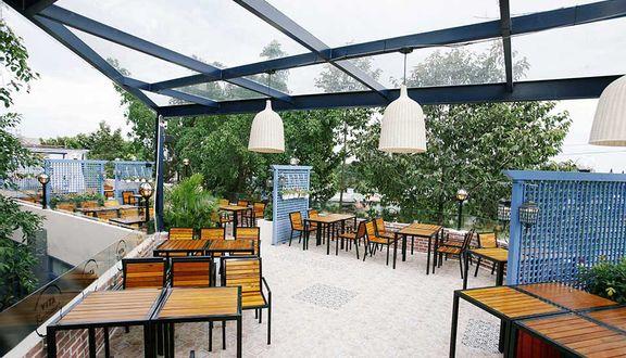 Vita Cafe & Restaurant - Đường M