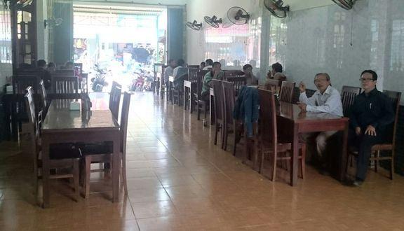 Quán Cơm Nam Giang