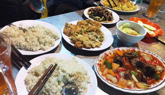 Bếp Của Mẹ - Cơm Vuông, Phở Tròn & Lẩu Nướng