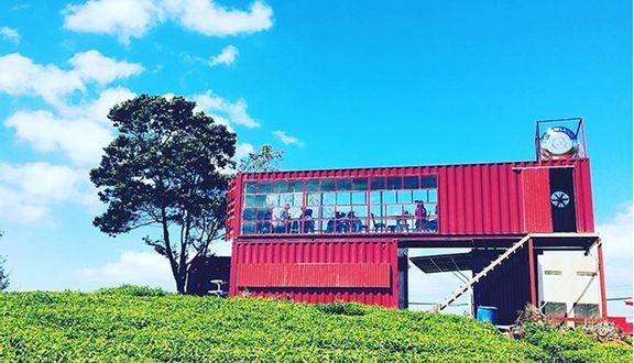 Image result for Cafe Container ở Đồi chè cầu đất Đà Lạt