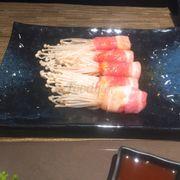 Ba chỉ cuộn nấm