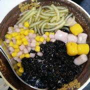 Signature herbal jelly + trân châu + small taro balls + thạch sợi