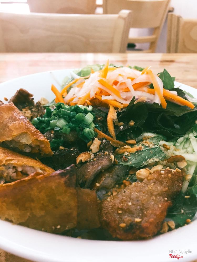 Tứ Sơn - Cơm Tấm & Bún Thịt Nướng ở Khánh Hoà