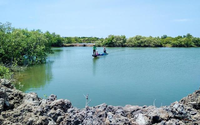 Hồ Câu Nước Mặn Chín Phước