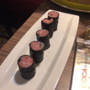 Thịt cuốn rong biển