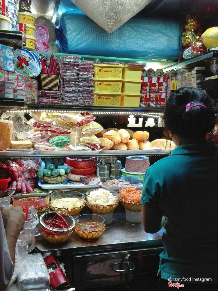 Bánh Mì Chả Lụa & Cá Hộp ở Khánh Hoà