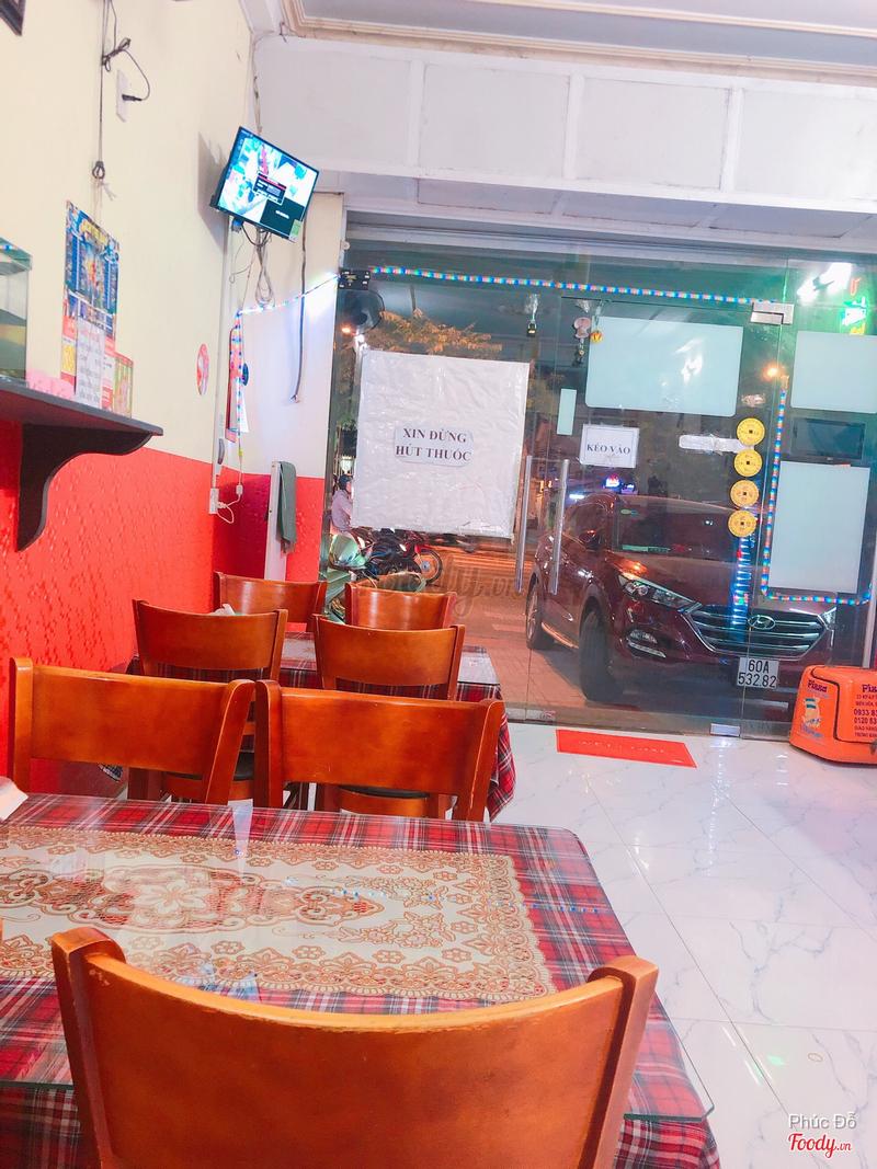 Đây là không gian quán, sạch sẽ, ấm cúng dành cho gia đình, mình hay ăn cùng gia đình ☺️
