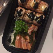 Sashimi miếng to và dày béo