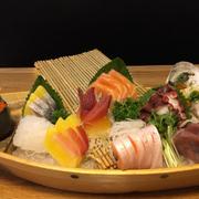 Thuyền sashimi Deluxe C