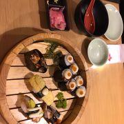 Sushi ăn ngon, cuốn khá chặt tay