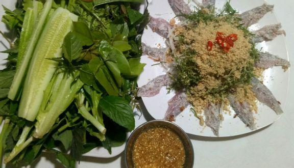 Quán Việt - Gỏi Cá Trích & Các Món Nướng