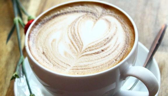 Cây Mận Cafe
