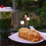 Matcha machiato vs bánh mỳ jampon bơ