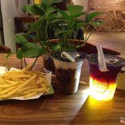 Ngon, đồ uống và thức ăn rất tuyệt vời, rất thích  lớp kem trên mặt trà sữa :3