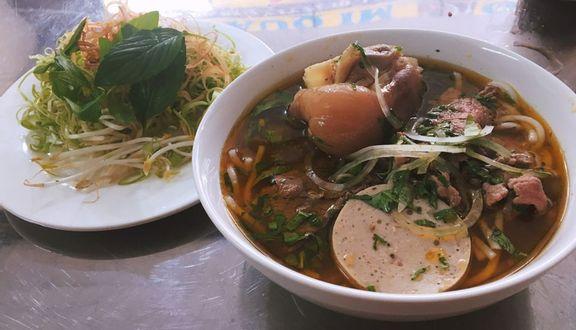 O Năm - Bún Bò Huế & Mì Quảng