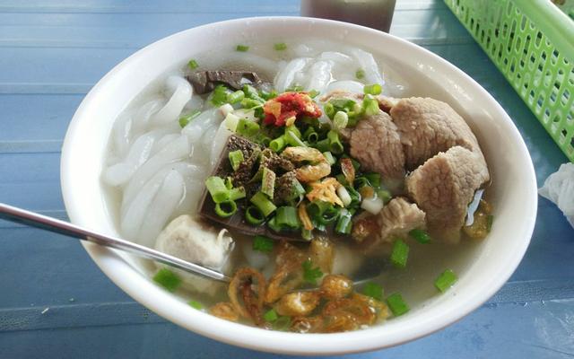 Bánh Canh Giò Heo Phú Thuận