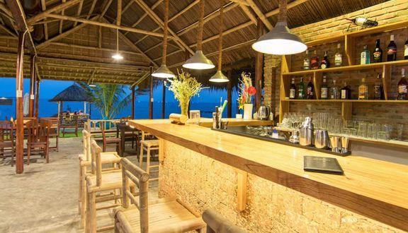 Dolphin Kitchen & Bar