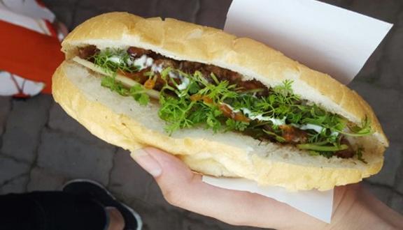 Xôi & Bánh Mì - Sông Nhuệ