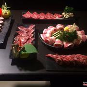 Tất cả thịt ở đây mình đều thích hết,tươi ngon chất lượng hehe.