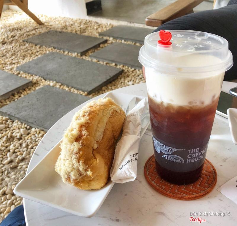 Bánh mì phô mai & trà đen Macchiato