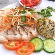 Cơm tấm thịt luộc