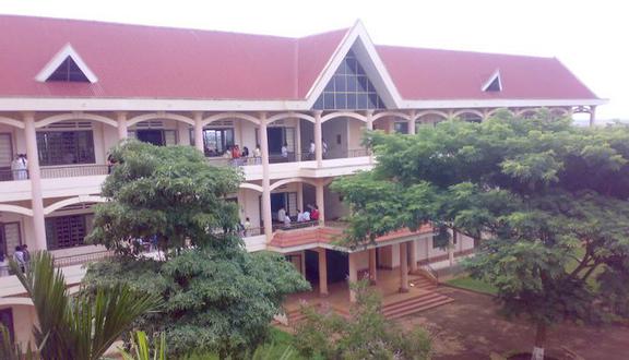 Trường THPT Phú Xuân