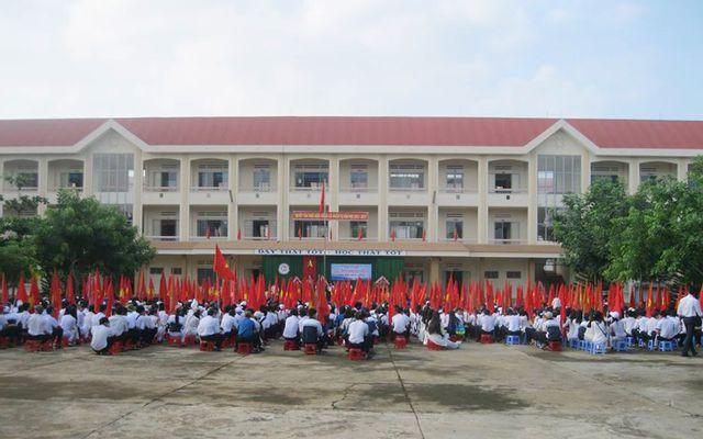 Trường THPT Lê Duẩn